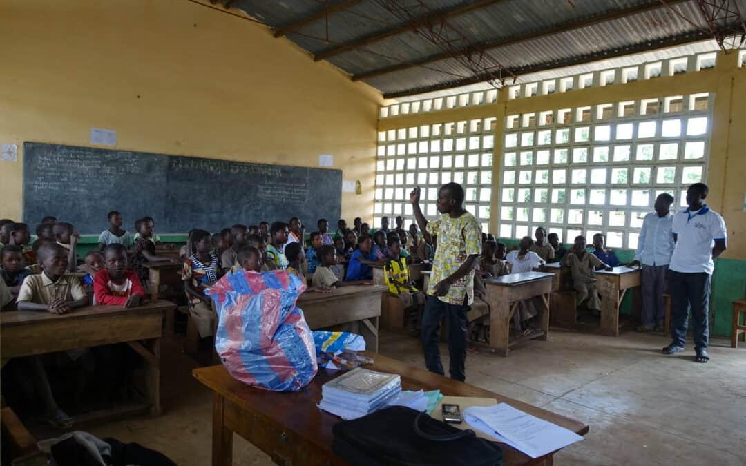Wie Schafe und Ziegen es möglich machen, dass Kinder im Südsudan in die Schule gehen können
